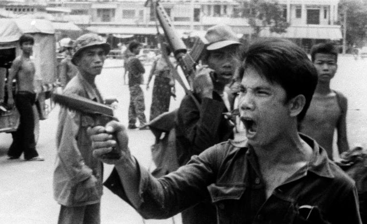 Khmer Đỏ tiếp quản Phnom Penh