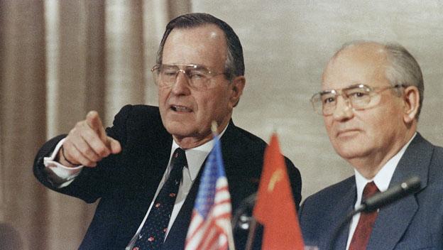 1032_Bush_Gorbachev