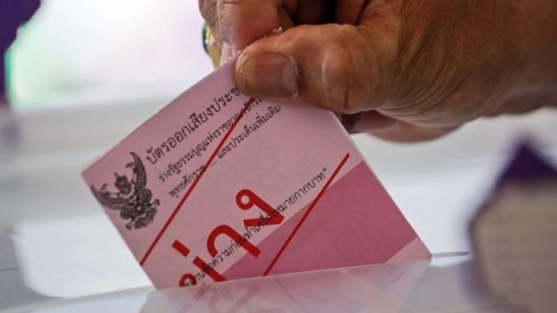 thailand-votes-in-referendum
